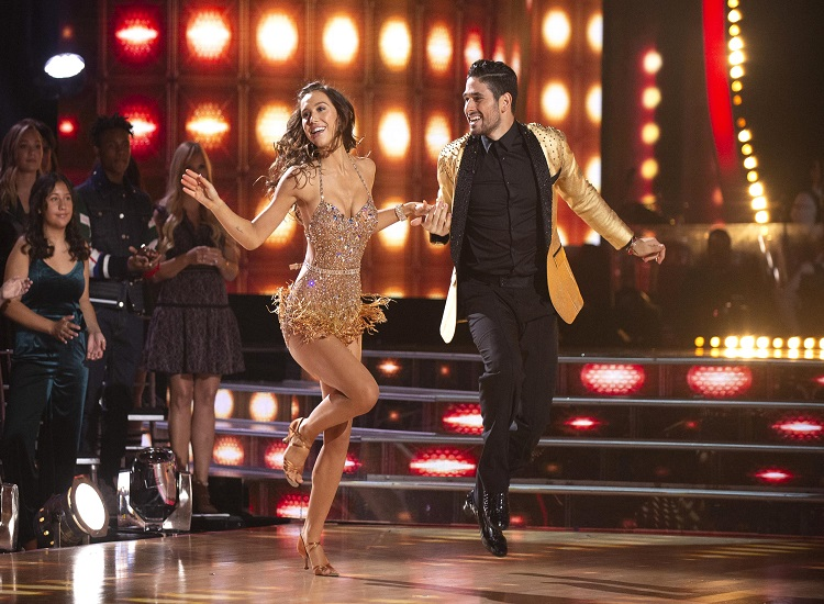 'Dancing With the Stars': Ew Interviews Latest Eliminated Contestant
