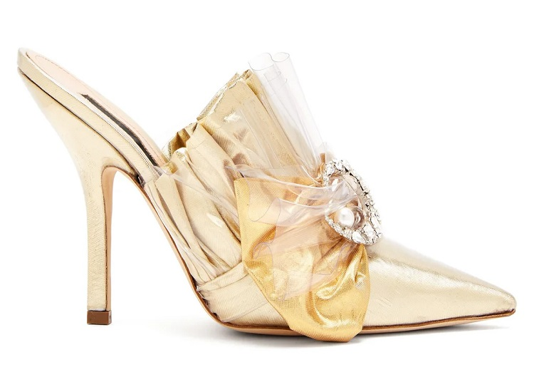 Flat Wedding Shoes to Match Up to the Groom